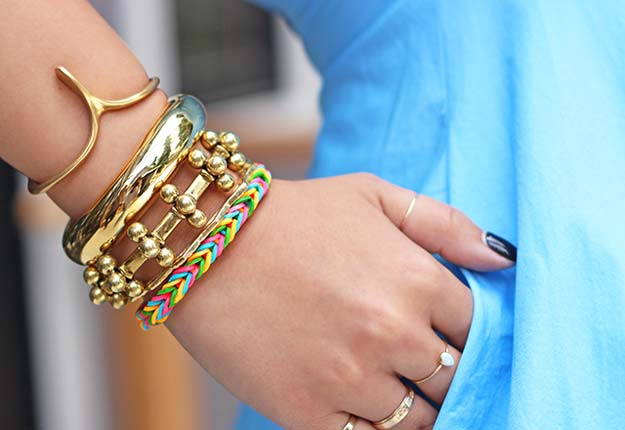 DIY Bracelets - DIY Finger Fishtail Loom Bracelet - Cool Jewelry Making Tutorials for Making Bracelets at Home - Handmade Bracelet Crafts and Easy DIY Gift for Teens, Girls and Women - With String, Wire, Leather, Beaded, Bangle, Braided, Boho, Modern and Friendship - Cheap and Quick Homemade Jewelry Ideas