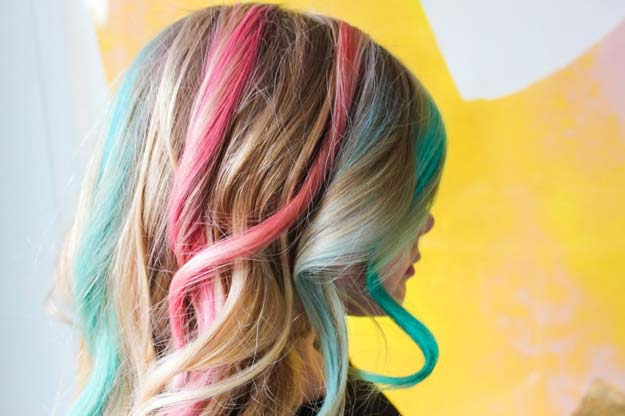 Creative DIY Hair Tutorials - DIY Rainbow Hair Chalk - Color, Rainbow, Galaxy and Unique Styles for Long, Short and Medium Hair - Braids, Dyes, Instructions for Teens and Women #hairstyles #hairideas #beauty #teens #easyhairstyles
