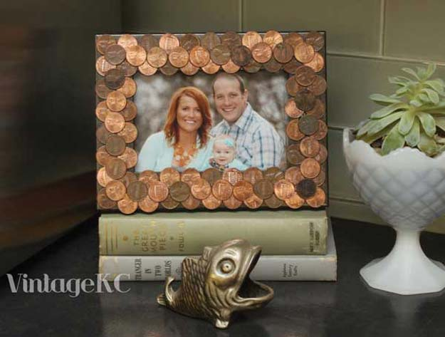 Cool DIYs Made With Pennies and Coins - Penny Photo Frames - Penny Walls, Floors, DIY Penny Table. Art With Pennies, Walls and Furniture Make With Money and Coins. Cool, Creative Tutorials, Home Decor and DIY Projects Made With Old Pennies - Cool DIY Projects and Crafts for Teens