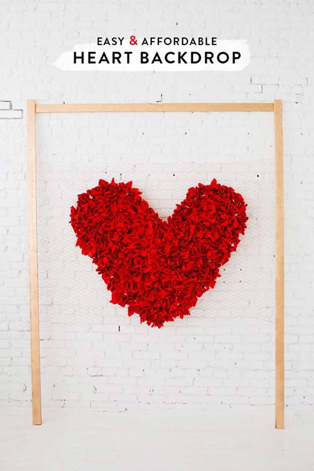 DIY Selfie Ideas - Heart Backdrop - Cool Ideas for Photo Booth and Picture Station - Props, Light, Mirror, Board, Wall, Background and Tips for Shooting Best Selfies - DIY Projects and Crafts for Teens