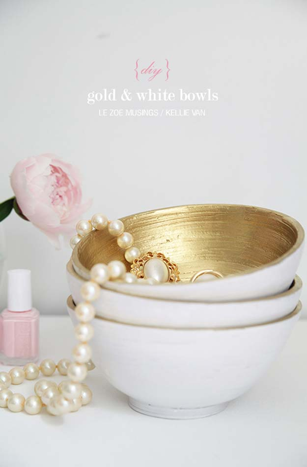 Gold DIY Projects and Crafts - DIY Gold and White Bowls - Easy Room Decor, Wall Art and Accesories in Gold - Spray Paint, Painted Ideas, Creative and Cheap Home Decor - Projects and Crafts for Teens, Apartments, Adults and Teenagers