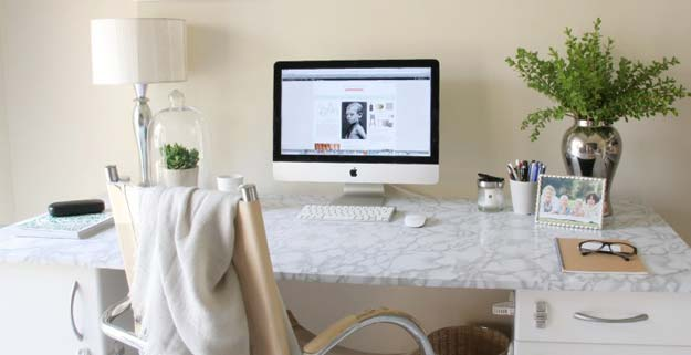 All White DIY Room Decor - DIY Marble Desk - Creative Home Decor Ideas for the Bedroom and Teen Rooms - Do It Yourself Crafts and White Wall Art, Bedding, Curtains, Lamps, Lighting, Rugs and Accessories - Easy Room Decoration Ideas for Girls, Teens and Tweens - Cute DIY Gifts and Projects With Step by Step Tutorials and Instructions http://diyprojectsforteens.com/diy-room-decor-white