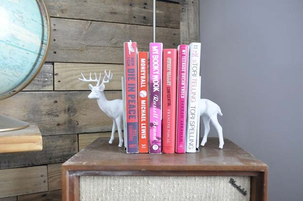 All White DIY Room Decor - DIY Plastic Animal Bookends - Creative Home Decor Ideas for the Bedroom and Teen Rooms - Do It Yourself Crafts and White Wall Art, Bedding, Curtains, Lamps, Lighting, Rugs and Accessories - Easy Room Decoration Ideas for Girls, Teens and Tweens - Cute DIY Gifts and Projects With Step by Step Tutorials and Instructions http://diyprojectsforteens.com/diy-room-decor-white