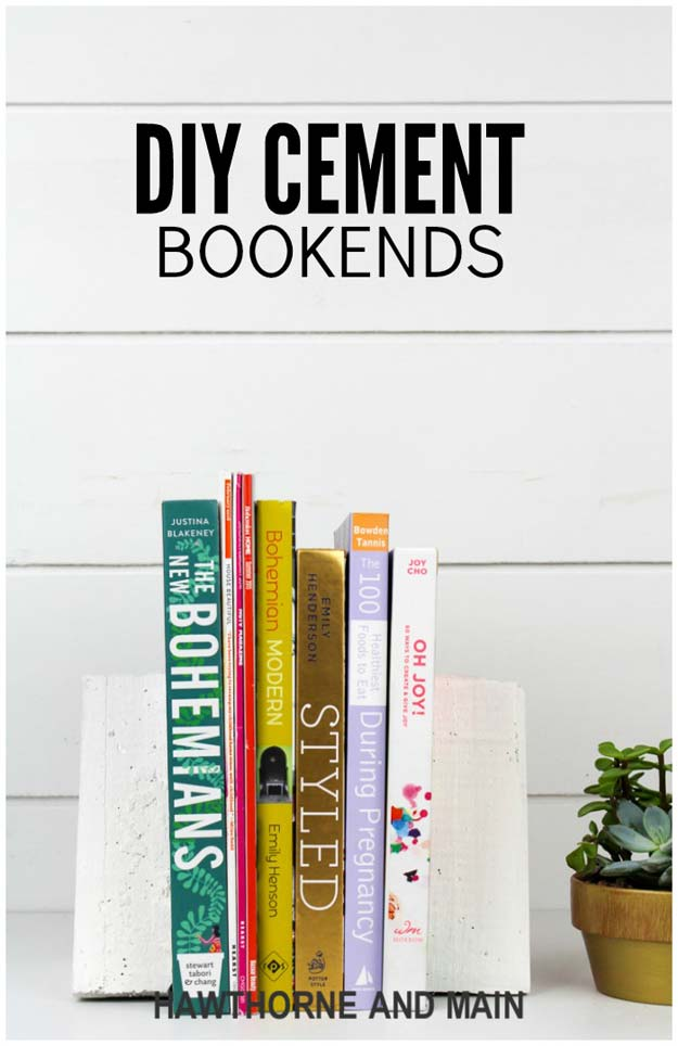 All White DIY Room Decor - DIY Cement Bookends - Creative Home Decor Ideas for the Bedroom and Teen Rooms - Do It Yourself Crafts and White Wall Art, Bedding, Curtains, Lamps, Lighting, Rugs and Accessories - Easy Room Decoration Ideas for Girls, Teens and Tweens - Cute DIY Gifts and Projects With Step by Step Tutorials and Instructions http://diyprojectsforteens.com/diy-room-decor-white