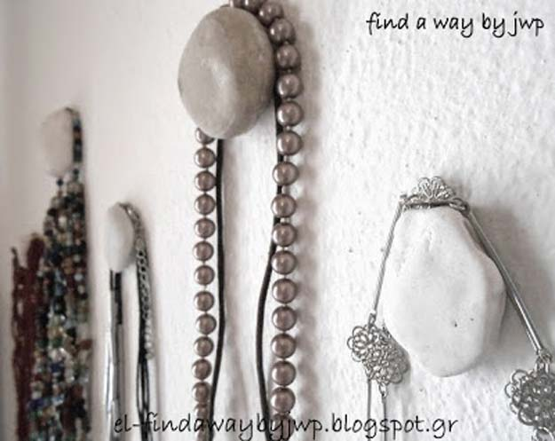 All White DIY Room Decor - Maker Hangers With Pebbles - Creative Home Decor Ideas for the Bedroom and Teen Rooms - Do It Yourself Crafts and White Wall Art, Bedding, Curtains, Lamps, Lighting, Rugs and Accessories - Easy Room Decoration Ideas for Girls, Teens and Tweens - Cute DIY Gifts and Projects With Step by Step Tutorials and Instructions http://diyprojectsforteens.com/diy-room-decor-white