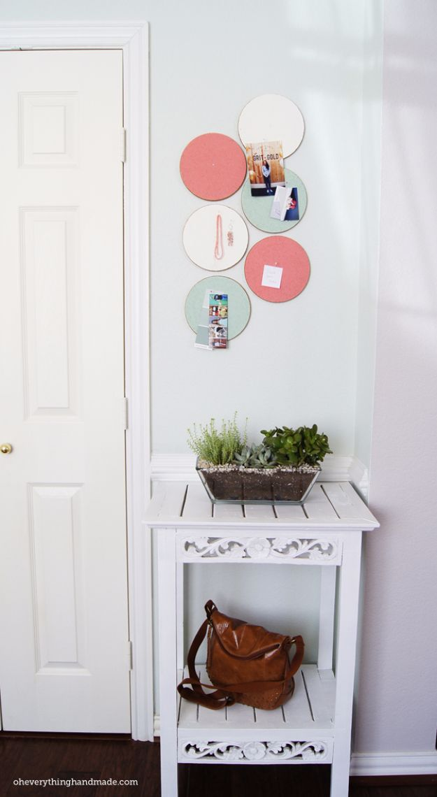 Best DIY Room Decor Ideas for Teens and Teenagers - DIY Custom Cork Board - Best Cool Crafts, Bedroom Accessories, Lighting, Wall Art, Creative Arts and Crafts Projects, Rugs, Pillows, Curtains, Lamps and Lights - Easy and Cheap Do It Yourself Ideas for Teen Bedrooms and Play Rooms http://diyprojectsforteens.com/diy-room-decor-ideas-teens