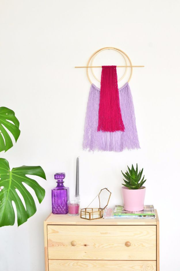 Best DIY Room Decor Ideas for Teens and Teenagers - DIY Embroidery Hoop Yarn Wall Hanging - Best Cool Crafts, Bedroom Accessories, Lighting, Wall Art, Creative Arts and Crafts Projects, Rugs, Pillows, Curtains, Lamps and Lights - Easy and Cheap Do It Yourself Ideas for Teen Bedrooms and Play Rooms #teencrafts #diydecor #roomideas #teenrooms #teendecor #diyideas