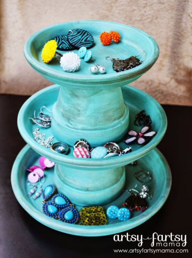 DIY Jewelry Storage - DIY Jewelry Stand - Do It Yourself Crafts and Projects for Organizing, Storing and Displaying Jewelry - Earrings, Rings, Necklaces - Jewelry Tree, Boxes, Hangers - Cheap and Easy Ways To Organize Jewelry in Bedroom and Bathroom - Dollar Store Crafts and Cheap Ideas for Decorating http://diyprojectsforteens.com/diy-jewelry-storage