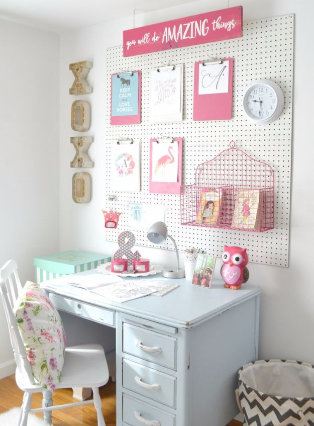 Best DIY Room Decor Ideas for Teens and Teenagers - DIY Peg Board - Best Cool Crafts, Bedroom Accessories, Lighting, Wall Art, Creative Arts and Crafts Projects, Rugs, Pillows, Curtains, Lamps and Lights - Easy and Cheap Do It Yourself Ideas for Teen Bedrooms and Play Rooms #teencrafts #diydecor #roomideas #teenrooms #teendecor #diyideas