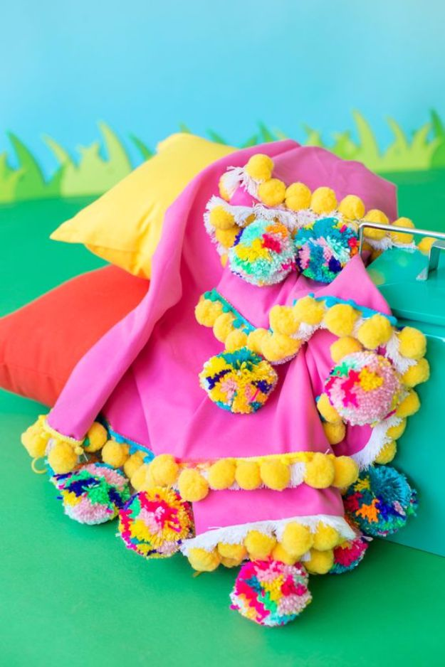 Easy Crafts for Teens - DIY Pom Pom Picnic Blanket - Cheap and Easy DIY Projects for Teenagers - Learn Basic Craft Techniques and Tutorials for Learning The Basics for Do It Yourself Projects and Fun Crafts - Easy Step by Step Tutorials for Making Pom Poms, Using a Glue Gun, Painting How To and More - Cool Ideas for Teens, Teenagers and Adults - Cheap Arts and Crafts Ideas and Tips http://diyprojectsforteens.com/diy-skills-tutorials