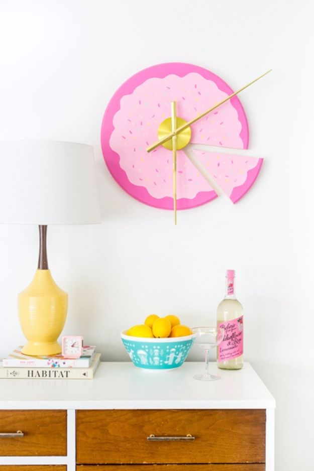 Best DIY Room Decor Ideas for Teens and Teenagers - DIY Sliced Cake Wall Clock - Best Cool Crafts, Bedroom Accessories, Lighting, Wall Art, Creative Arts and Crafts Projects, Rugs, Pillows, Curtains, Lamps and Lights - Easy and Cheap Do It Yourself Ideas for Teen Bedrooms and Play Rooms http://diyprojectsforteens.com/diy-room-decor-ideas-teens