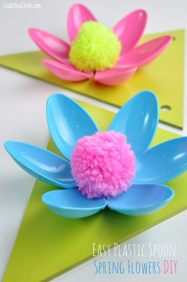 Best DIY Ideas for Teens To Make This Summer - Easy Plastic Spoon Spring Flower Garland - Fun and Easy Crafts, Room Decor, Toys and Craft Projects to Make And Sell - Cool Gifts for Friends, Awesome Things To Do When You Are Bored - Teenagers - Boys and Girls Love Making These Creative Projects With Step by Step Tutorials and Instructions #diyideas #summer #teencrafts #crafts