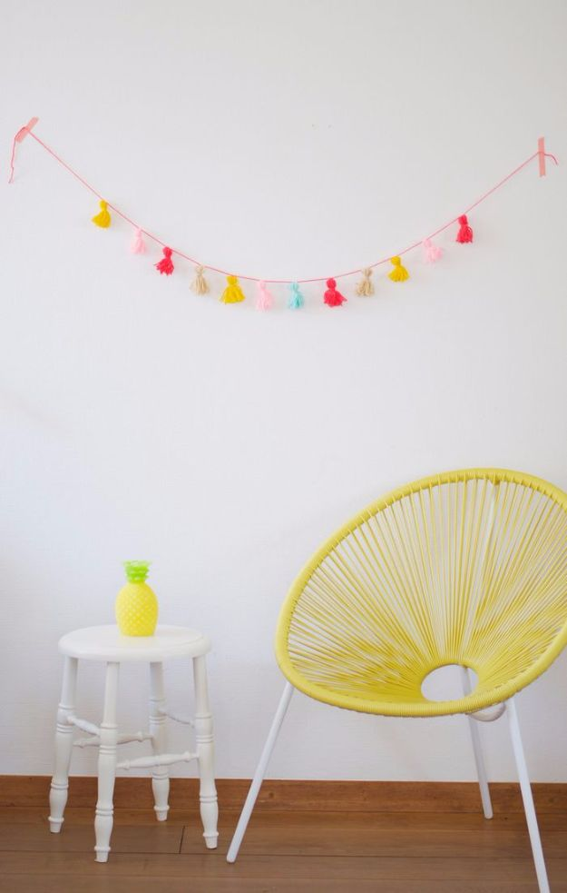 Best DIY Room Decor Ideas for Teens and Teenagers - Tassel Bunting DIY - Best Cool Crafts, Bedroom Accessories, Lighting, Wall Art, Creative Arts and Crafts Projects, Rugs, Pillows, Curtains, Lamps and Lights - Easy and Cheap Do It Yourself Ideas for Teen Bedrooms and Play Rooms #teencrafts #diydecor #roomideas #teenrooms #teendecor #diyideas