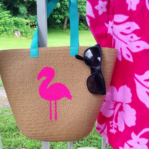 Cool Summer Fashions for Teens - DIY Flamingo Tote - Easy Sewing Projects and No Sew Crafts for Fun Fashion for Teenagers - DIY Clothes, Shoes and Accessories for Summertime Looks - Cheap and Creative Ways to Dress on A Budget http://diyprojectsforteens.com/diy-summer-fashion-teens