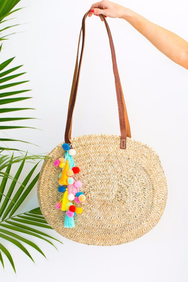 DIY Bags for Summer - DIY Pom Pom Tassel Circle Pool Bag - Easy Ideas to Make for Beach and Pool - Quick Projects for a Bag on A Budget - Cute No Sew Idea, Quick Sewing Patterns - Paint and Crafts for Making Creative Beach Bags - Fun Tutorials for Kids, Teens, Teenagers, Girls and Adults http://diyprojectsforteens.com/diy-bags-summer