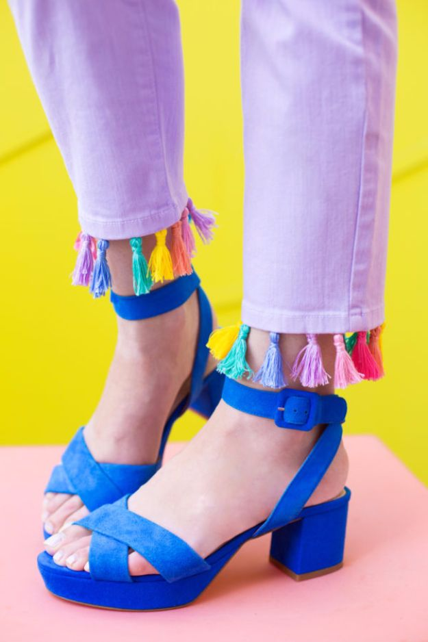 Cool Summer Fashions for Teens - DIY Tassel Jeans - Easy Sewing Projects and No Sew Crafts for Fun Fashion for Teenagers - DIY Clothes, Shoes and Accessories for Summertime Looks - Cheap and Creative Ways to Dress on A Budget http://diyprojectsforteens.com/diy-summer-fashion-teens