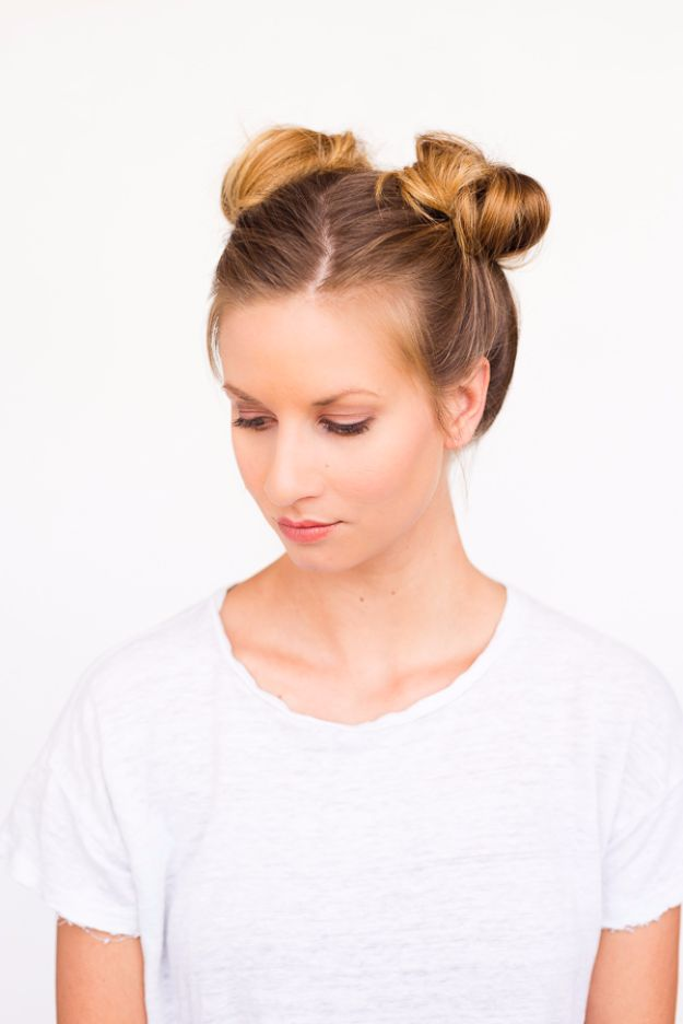 Cool Hair Tutorials for Summer - Double Bun Hair Tutorial - Easy Hairstyles and Creative Looks for Hair - Beachy Waves, Hair Styles for Short Hair, Medium Length and Long Hair - Ponytails, Updo Ideas and Quick Last Minute Hairstyle for Teens, Teenagers and Women http://diyprojectsforteens.com/cool-hairstyles-summer