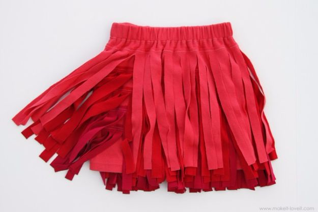 Cool Summer Fashions for Teens - Ombre Fringe Skirt - Easy Sewing Projects and No Sew Crafts for Fun Fashion for Teenagers - DIY Clothes, Shoes and Accessories for Summertime Looks - Cheap and Creative Ways to Dress on A Budget http://diyprojectsforteens.com/diy-summer-fashion-teens