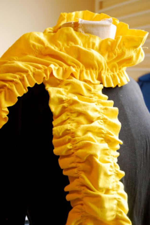 Cool Summer Fashions for Teens - Ruffle Scarf - Easy Sewing Projects and No Sew Crafts for Fun Fashion for Teenagers - DIY Clothes, Shoes and Accessories for Summertime Looks - Cheap and Creative Ways to Dress on A Budget http://diyprojectsforteens.com/diy-summer-fashion-teens