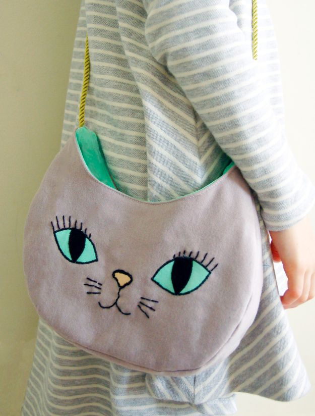 DIY Bags for Summer - The Purrfect Bag - Easy Ideas to Make for Beach and Pool - Quick Projects for a Bag on A Budget - Cute No Sew Idea, Quick Sewing Patterns - Paint and Crafts for Making Creative Beach Bags - Fun Tutorials for Kids, Teens, Teenagers, Girls and Adults