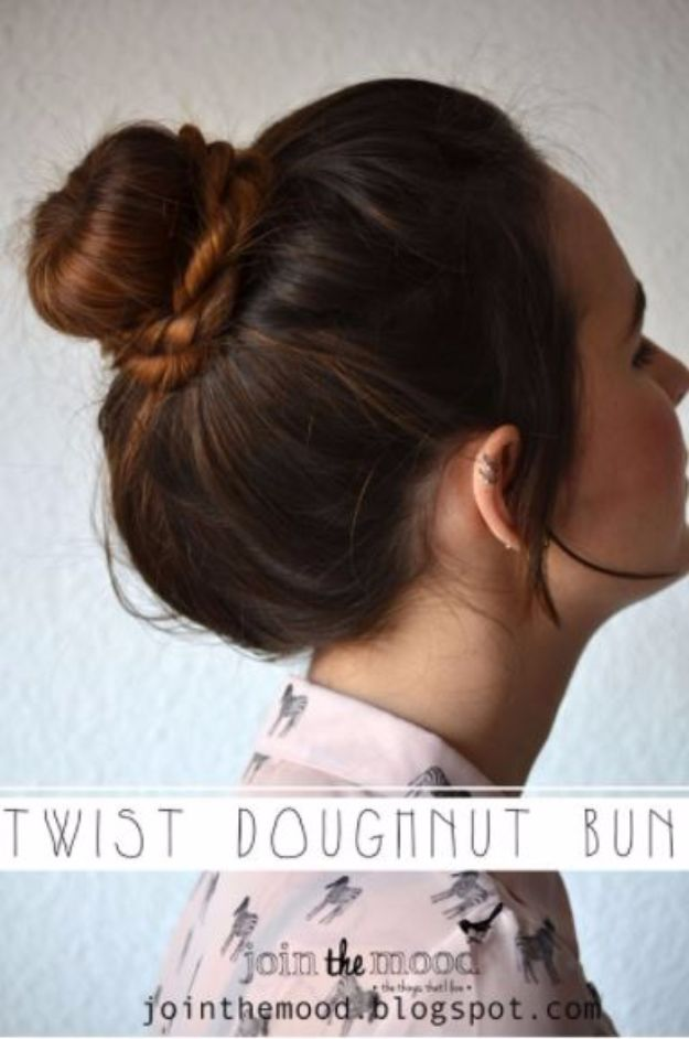 Cool Hair Tutorials for Summer - Twist Doughnut Bun - Easy Hairstyles and Creative Looks for Hair - Beachy Waves, Hair Styles for Short Hair, Medium Length and Long Hair - Ponytails, Updo Ideas and Quick Last Minute Hairstyle for Teens, Teenagers and Women http://diyprojectsforteens.com/cool-hairstyles-summer