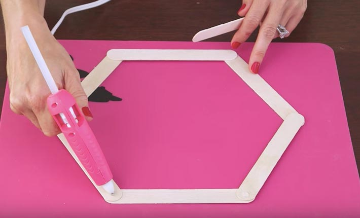 Easy To Make DIY Decor-Cool Room Ideas-Cute And Easy Crafts-Teen Crafts For Room