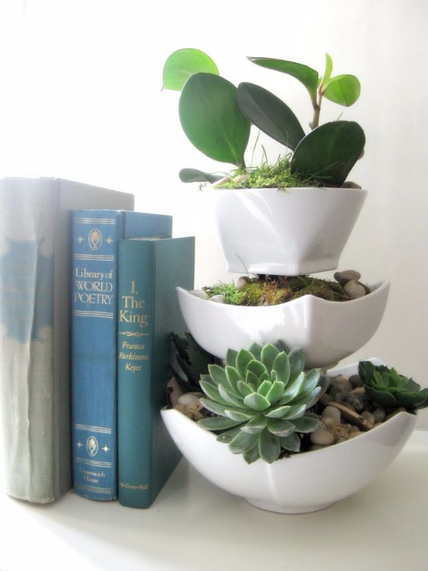 Cheap Crafts for Teens - Dollar Store Planter - Inexpensive DIY Projects for Teenagers and Tweens - Cute Room Decor, School Supplies, Accessories and Clothing You Can Make On A Budget - Fun Dollar Store Crafts - Cool DIY Gift Ideas for Christmas, Birthdays, BFF gifts and more - Step by Step Tutorials and Instructions http://diyprojectsforteens.com/cheap-craft-ideas-for-teens/