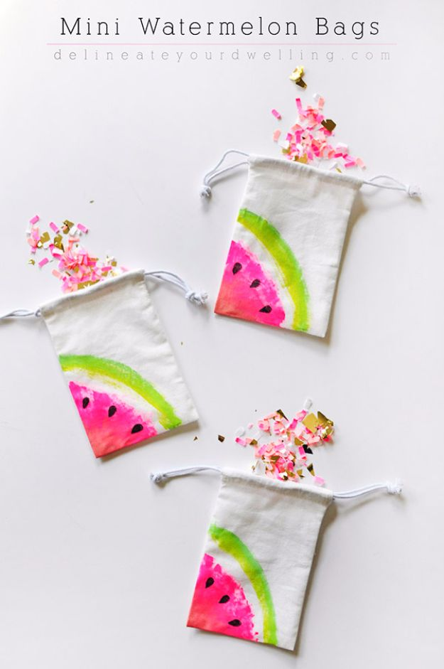 Cheap Crafts for Teens - Mini Watermelon Bags - Inexpensive DIY Projects for Teenagers and Tweens - Cute Room Decor, School Supplies, Accessories and Clothing You Can Make On A Budget - Fun Dollar Store Crafts - Cool DIY Gift Ideas for Christmas, Birthdays, BFF gifts and more - Step by Step Tutorials and Instructions http://diyprojectsforteens.com/cheap-craft-ideas-for-teens/