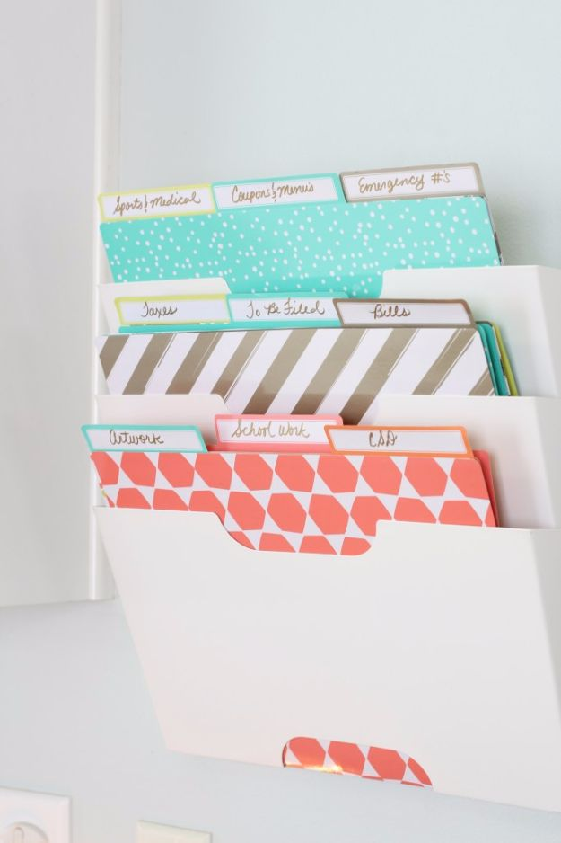 DIY School Supplies - Back To School Paper Clutter Organization - Easy Crafts and Do It Yourself Ideas for Back To School - Pencils, Notebooks, Backpacks and Fun Gear for Going Back To Class - Creative DIY Projects for Cheap School Supplies - Cute Crafts for Teens and Kids http://diyprojectsforteens.com/diy-back-to-school-supplies