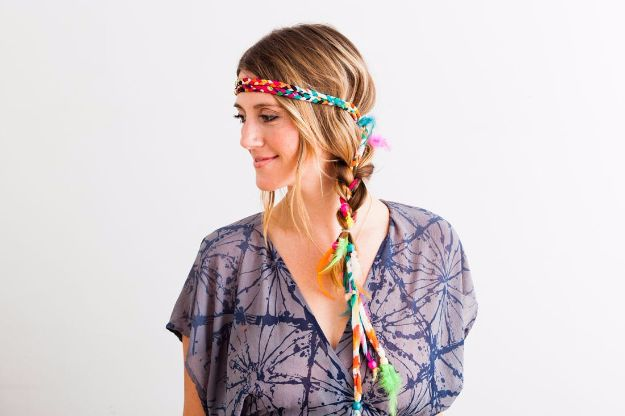 Easy Braids With Tutorials - Braided Feather Wrap - Cute Braiding Tutorials for Teens, Girls and Women - Easy Step by Step Braid Ideas - Quick Hairstyles for School - Creative Braids for Teenagers - Tutorial and Instructions for Hair Braiding http://diyprojectsforteens.com/easy-braids-tutorials