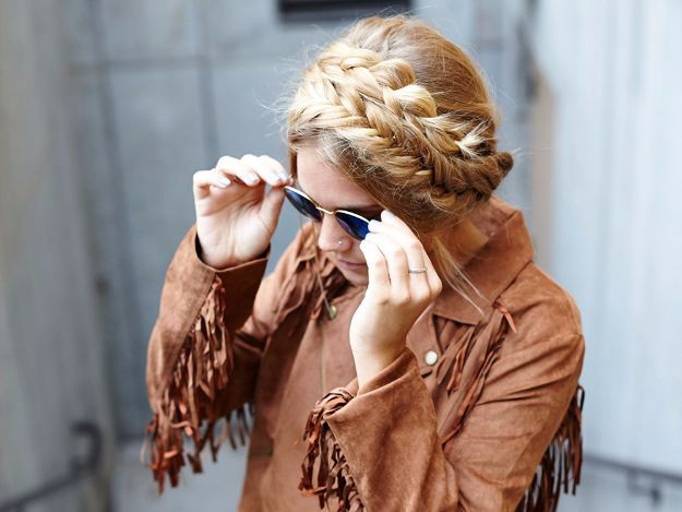 Easy Braids With Tutorials - Easy Boho Mixed Milkmaid Braids - Cute Braiding Tutorials for Teens, Girls and Women - Easy Step by Step Braid Ideas - Quick Hairstyles for School - Creative Braids for Teenagers - Tutorial and Instructions for Hair Braiding http://diyprojectsforteens.com/easy-braids-tutorials