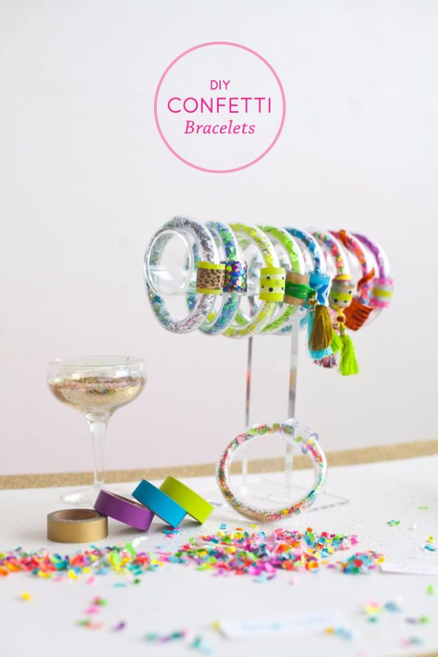 DIY Ideas WIth Glitter - DIY Confetti Bracelets - Easy Crafts and Projects for Decoration, Gifts, and Bedroom Decor - How To Make Ombre, Mod Podge and Glitter Mason Jar Gift Ideas For Teens - Easy Clothes and Makeup Crafts For Teenagers http://diyprojectsforteens.com/glitter-crafts-ideas