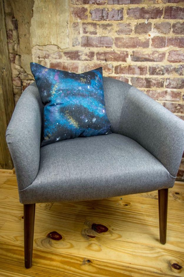Galaxy DIY Crafts - DIY Galaxy Pillow - Easy Room Decor, Cool Clothes, Fun Fabric Ideas and Painting Projects - Food, Cookies and Cupcake Recipes - Nebula Galaxy In A Jar - Art for Your Bedroom - Shirt, Backpack, Soap, Decorations for Teens, Kids and Adults http://diyprojectsforteens.com/galaxy-crafts