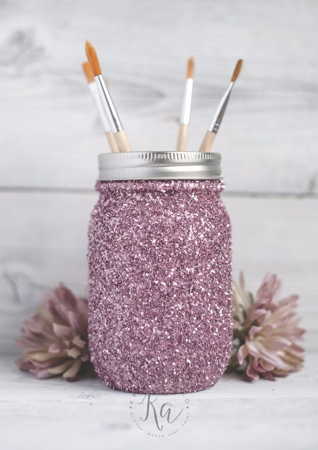 DIY Ideas WIth Glitter - DIY Glitter Mason Jar - Easy Crafts and Projects for Decoration, Gifts, and Bedroom Decor - How To Make Ombre, Mod Podge and Glitter Mason Jar Gift Ideas For Teens - Easy Clothes and Makeup Crafts For Teenagers http://diyprojectsforteens.com/glitter-crafts-ideas