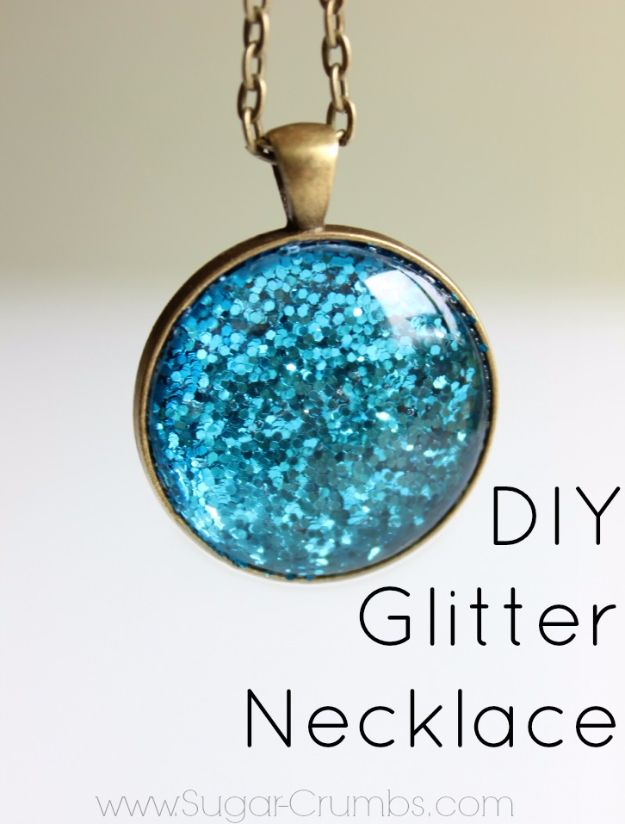 DIY Ideas WIth Glitter - DIY Glitter Necklace - Easy Crafts and Projects for Decoration, Gifts, and Bedroom Decor - How To Make Ombre, Mod Podge and Glitter Mason Jar Gift Ideas For Teens - Easy Clothes and Makeup Crafts For Teenagers http://diyprojectsforteens.com/glitter-crafts-ideas