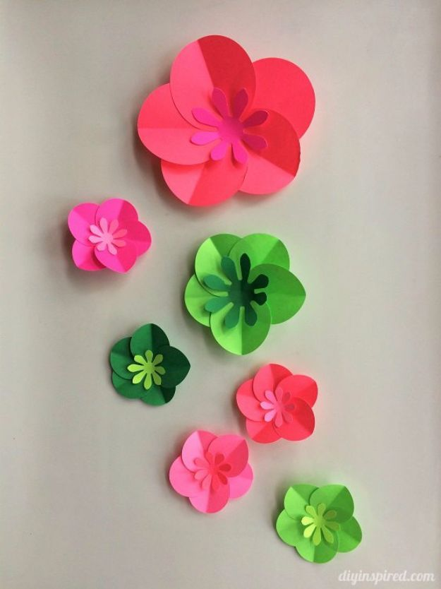 DIY Paper Flowers For Your Room - Easy DIY Paper Flowers - How To Make A Paper Flower - Large Wedding Backdrop for Wall Decor - Easy Tissue Paper Flower Tutorial for Kids - Giant Projects for Photo Backdrops - Daisy, Roses, Bouquets, Centerpieces - Cricut Template and Step by Step Tutorial http://diyjoy.com/diy-paper-flowers