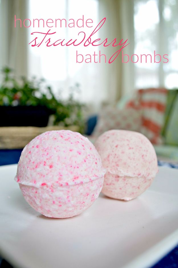 Cool DIY Bath Bombs to Make At Home - Homemade Strawberry Bath Bombs - Recipes and Tutorial for How To Make A Bath Bomb - Best Bathbomb Ideas - Fun DIY Projects for Women, Teens, and Girls | DIY Bath Bombs Recipe and Tutorials | Make Cheap Gifts Like Lush Bath Bombs http://diyprojectsforteens.com/best-diy-bath-bombs