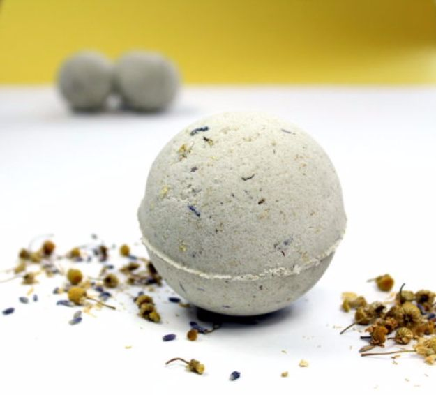 Cool DIY Bath Bombs to Make At Home - Natural Vegan Bath Bombs with Lavender & Chamomile - Recipes and Tutorial for How To Make A Bath Bomb - Best Bathbomb Ideas - Fun DIY Projects for Women, Teens, and Girls | DIY Bath Bombs Recipe and Tutorials | Make Cheap Gifts Like Lush Bath Bombs #bathbombs #teencrafts #diyideas