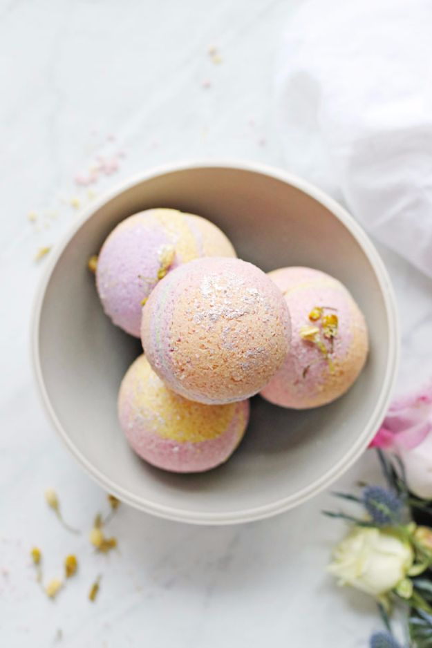 Cool DIY Bath Bombs to Make At Home - No-Fail Coconut Oil Bath Bombs - Recipes and Tutorial for How To Make A Bath Bomb - Best Bathbomb Ideas - Fun DIY Projects for Women, Teens, and Girls | DIY Bath Bombs Recipe and Tutorials | Make Cheap Gifts Like Lush Bath Bombs #bathbombs #teencrafts #diyideas
