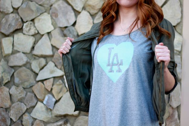 T-Shirt Makeovers - Screenprint Tee DIY - Fun Upcycle Ideas for Tees - How To Make Simple Awesome Summer Style Projects - Cute Sleeve and Neckline Ideas - Cheap and Easy Ways To Upcycle Tshirts for Fun Clothes and Fashion - Quick Projects for Teens and Teenagers on A Budget http://diyprojectsforteens.com/t-shirt-makeovers