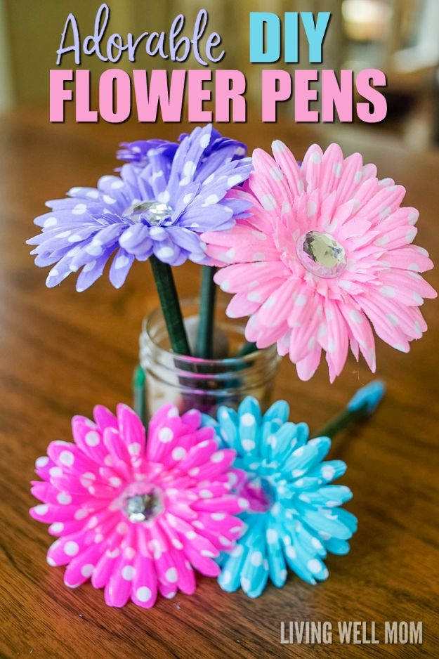 Crafts for Teens to Make and Sell - DIY Flower Pens - Cheap and Easy DIY Ideas To Make For Extra Money - Best Things to Sell On Etsy, Dollar Store Craft Ideas, Quick Projects for Teenagers To Make Spending Cash - DIY Gifts, Wall Art, School Supplies, Room Decor, Jewelry, Fashion, Hair Accessories, Bracelets, Magnets http://diyprojectsforteens.com/crafts-to-sell-teens