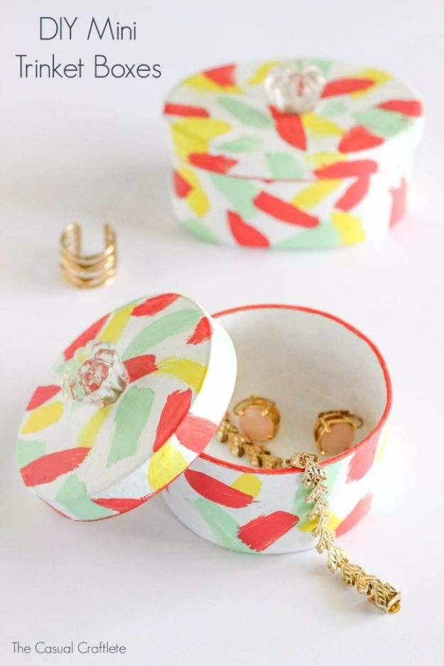 Cheap DIY Gifts and Inexpensive Homemade Christmas Gift Ideas for People on A Budget - DIY Mini Trinket Boxes - To Make These Cool Presents Instead of Buying for the Holidays - Easy and Low Cost Gifts fTo Make For Friends and Neighbors - Quick Dollar Store Crafts and Projects for Xmas Gift Giving Parties - Step by Step Tutorials and Instructions http://diyjoy.com/cheap-gifts-to-make-for-friends