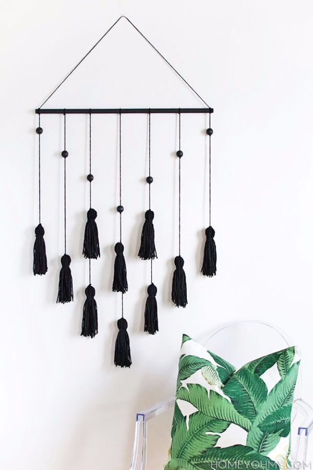 Crafts for Teens to Make and Sell - DIY Tassel Wall Hangings - Cheap and Easy DIY Ideas To Make For Extra Money - Best Things to Sell On Etsy, Dollar Store Craft Ideas, Quick Projects for Teenagers To Make Spending Cash - DIY Gifts, Wall Art, School Supplies, Room Decor, Jewelry, Fashion, Hair Accessories, Bracelets, Magnets http://diyprojectsforteens.com/crafts-to-sell-teens