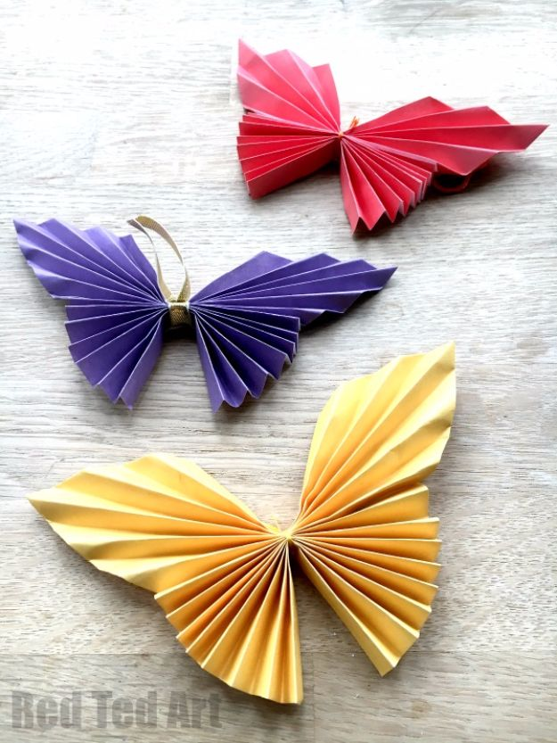 Crafts for Teens to Make and Sell - Easy Paper Butterfly - Cheap and Easy DIY Ideas To Make For Extra Money - Best Things to Sell On Etsy, Dollar Store Craft Ideas, Quick Projects for Teenagers To Make Spending Cash - DIY Gifts, Wall Art, School Supplies, Room Decor, Jewelry, Fashion, Hair Accessories, Bracelets, Magnets http://diyprojectsforteens.com/crafts-to-sell-teens