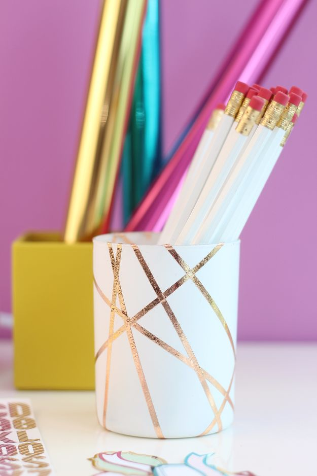 Crafts for Teens to Make and Sell - Easy Rose Gold Foiled Pencil Cup - Cheap and Easy DIY Ideas To Make For Extra Money - Best Things to Sell On Etsy, Dollar Store Craft Ideas, Quick Projects for Teenagers To Make Spending Cash - DIY Gifts, Wall Art, School Supplies, Room Decor, Jewelry, Fashion, Hair Accessories, Bracelets, Magnets http://diyprojectsforteens.com/crafts-to-sell-teens