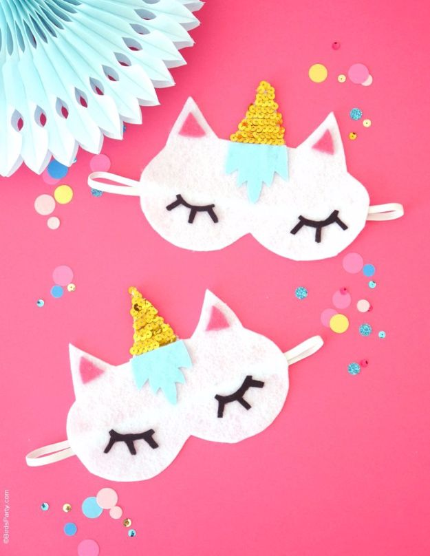 Crafts for Teens to Make and Sell - No-Sew DIY Unicorn Sleeping Masks - Cheap and Easy DIY Ideas To Make For Extra Money - Best Things to Sell On Etsy, Dollar Store Craft Ideas, Quick Projects for Teenagers To Make Spending Cash - DIY Gifts, Wall Art, School Supplies, Room Decor, Jewelry, Fashion, Hair Accessories, Bracelets, Magnets http://diyprojectsforteens.com/crafts-to-sell-teens
