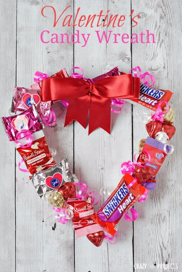 Cheap DIY Valentineu0027s Day Gift Ideas   Valentineu0027s Candy Wreath   Make  These Easy And Inexpensive