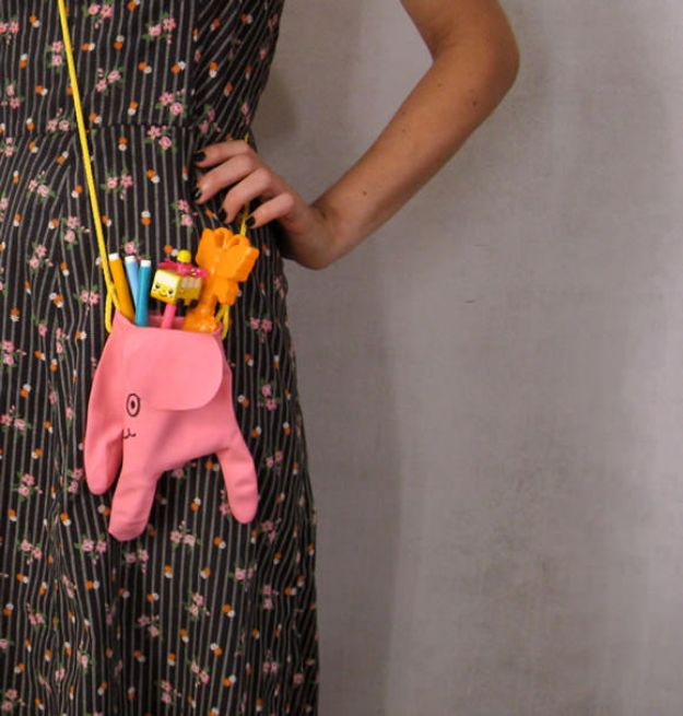 DIY Ideas With Elephants - Dish Glove Elephant Bag - Easy Wall Art Ideas, Crafts, Jewelry, Arts and Craft Projects for Kids, Teens and Adults- Simple Canvases, Throw Pillows, Cute Paintings for Nurseries, Dollar Store Crafts and Fun Dorm Room and Bedroom Decor - Tutorials for Crafty Ideas Decorated With an Elephant http://diyprojectsforteens.com/diy-ideas-elephants