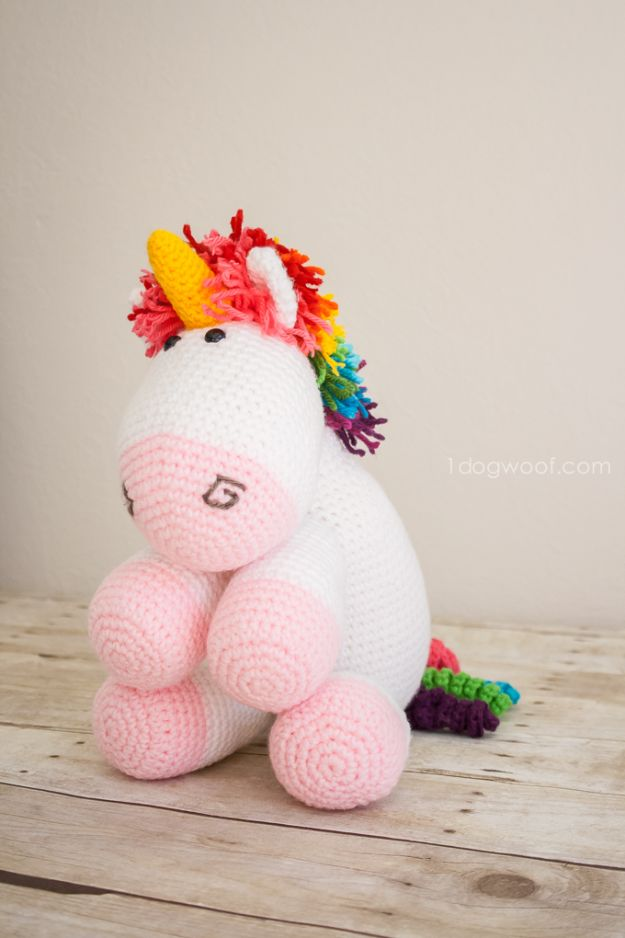 DIY Ideas With Unicorns - Rainbow Cuddles Crochet Unicorn - Cute and Easy DIY Projects for Unicorn Lovers - Wall and Home Decor Projects, Things To Make and Sell on Etsy - Quick Gifts to Make for Friends and Family - Homemade No Sew Projects and Pillows - Fun Jewelry, Desk Decor Cool Clothes and Accessories http://diyprojectsforteens.com/diy-ideas-unicorns