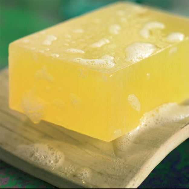 Cool Soaps To Make At Home - Aloe Vera Soap - DIY Soap Recipes and Ideas - Best Soap Tutorials for Soap Making Without Lye - Easy Cold Process Melt and Pour Tips for Beginners - Crockpot, Essential Oils, Homemade Natural Soaps and Products - Creative Crafts and DIY for Teens, Kids and Adults http://diyprojectsforteens.com/cool-soaps-to-make